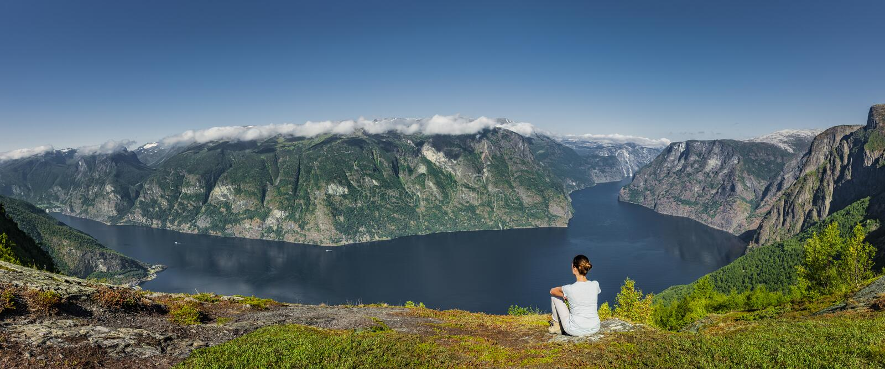 Aurlandsfjord的全景视图在挪威 免版税库存图片