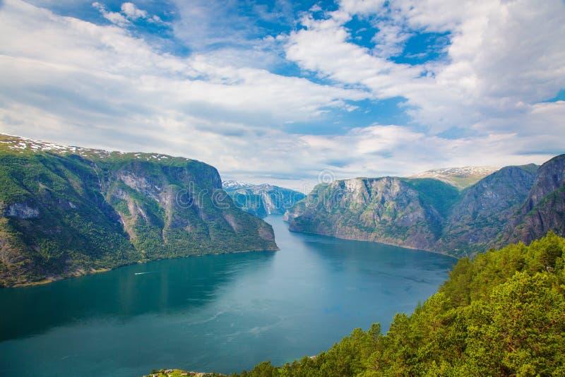 Aurlandsfjordlandschap, Noorwegen royalty-vrije stock foto's