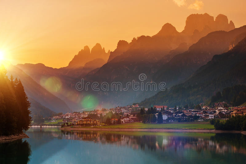 Auronzo Di Cadore Заход солнца стоковые фотографии rf