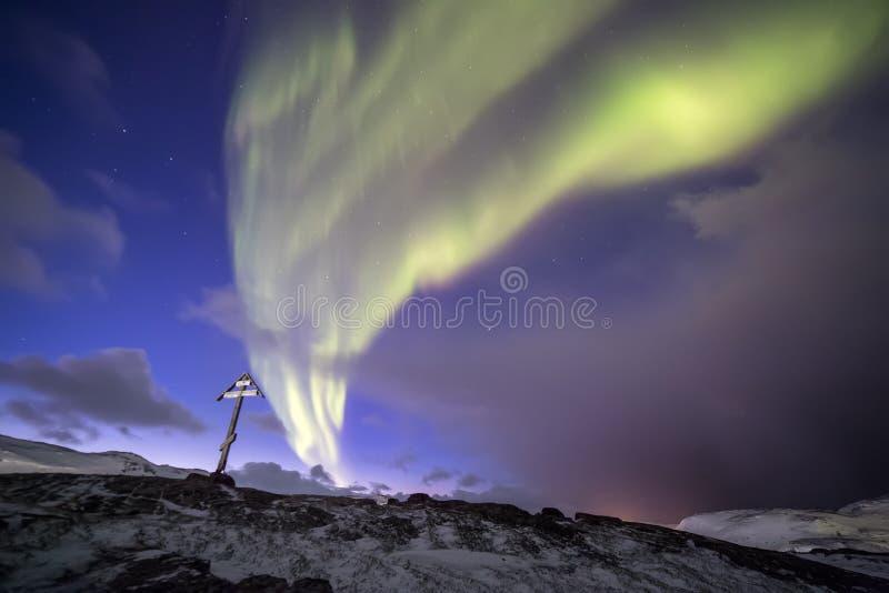 Aurora boreal en Kola Peninsula Teriberka, Murmansk regio imagenes de archivo