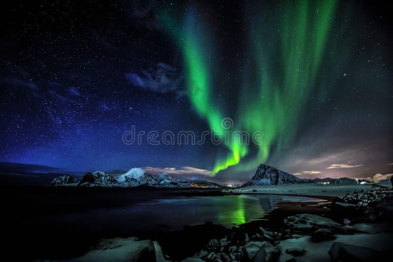 Aurora boreal en las islas de Lofoten fotografía de archivo libre de regalías