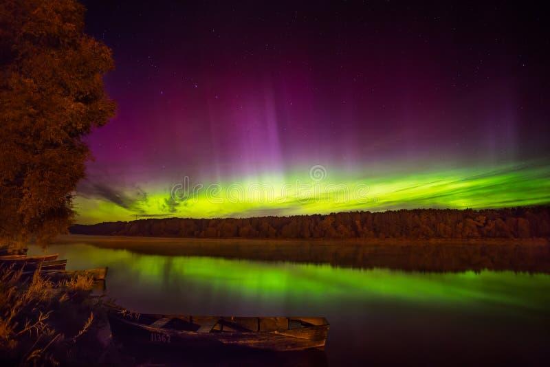 Aurora boreal en Lituania imagen de archivo
