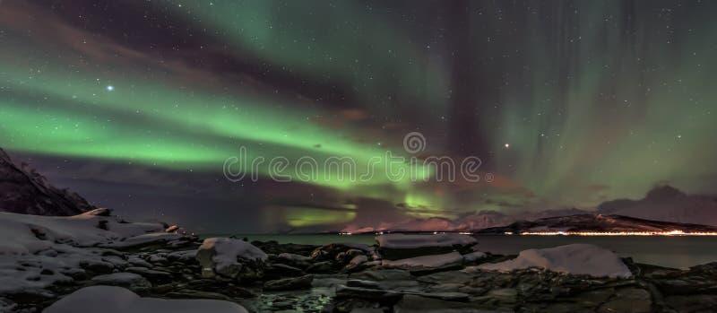 Aurora borealis - aurora boreale - la Norvegia del nord - insegna immagini stock