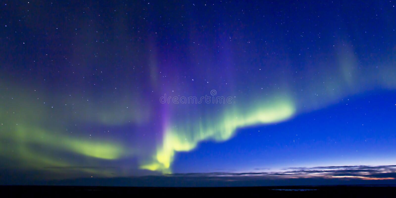 Aurora Borealis con crepúsculo imágenes de archivo libres de regalías