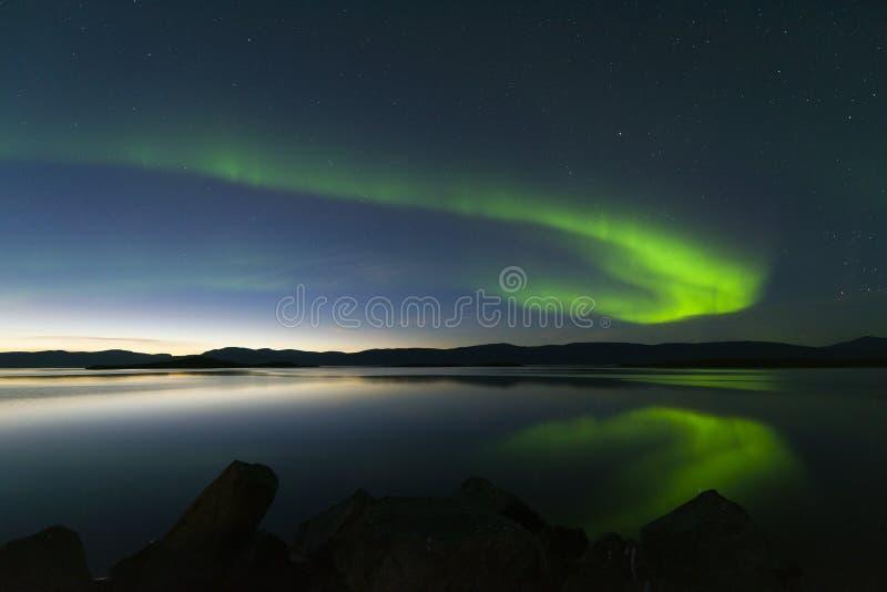 Aurora borealis in Noordelijk Zweden stock afbeelding