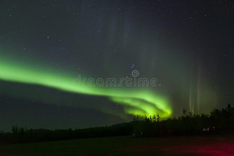 Aurora Borealis, Noordelijke Lichten boven Yukon-Grondgebied, Canada stock foto's