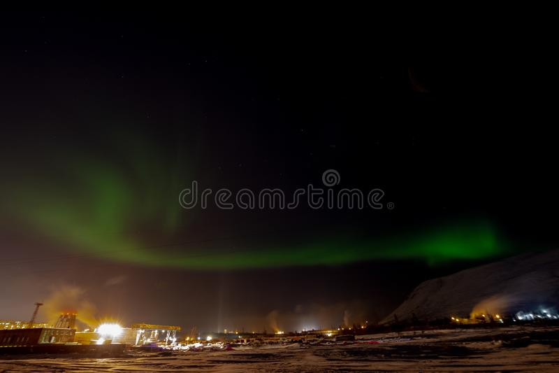 Aurora Borealis och konstellationer, Norilsk royaltyfri foto
