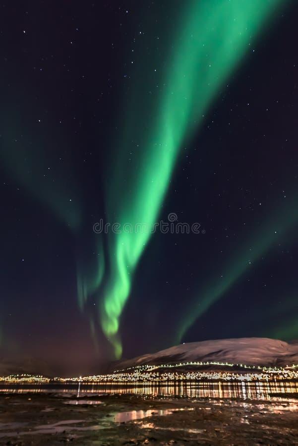 Aurora, borealis, septentrionales, luces, constelación, grande, cazo, del norte, Noruega, turista, atracción, Tromso fotos de archivo