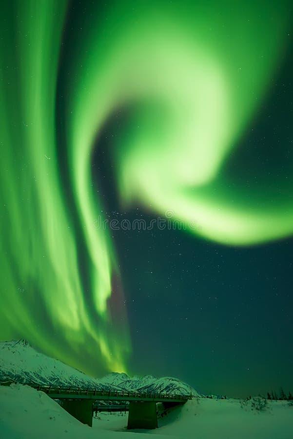 Aurora Borealis som bildar bokstaven R arkivfoton