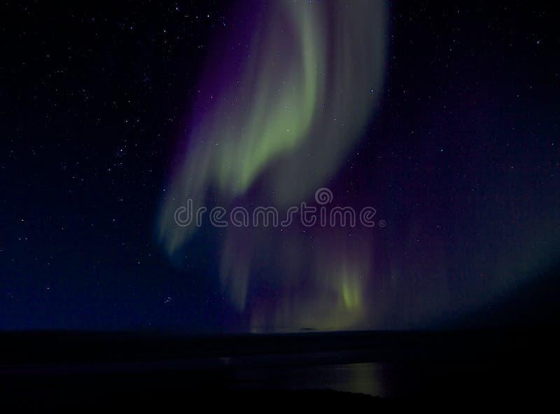 Aurora Borealis sopra la baia 1 immagini stock