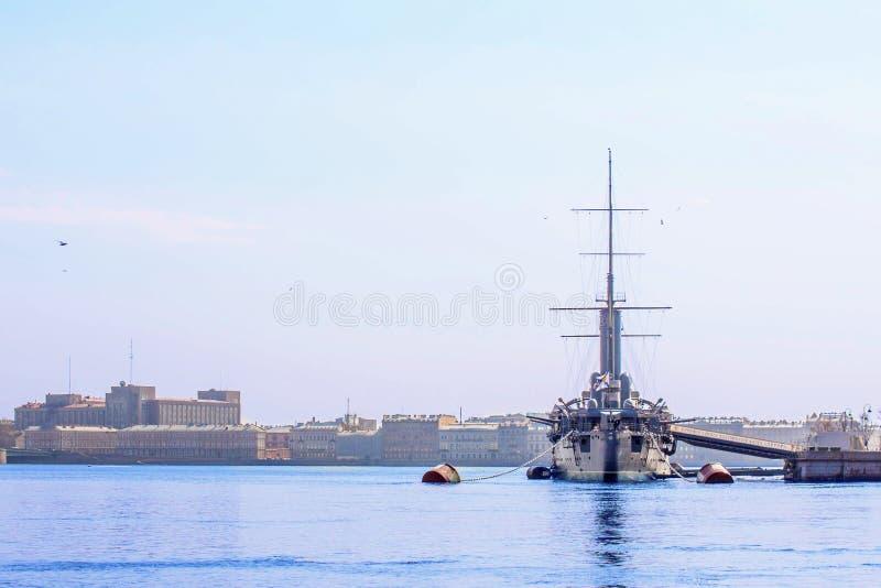 Aurora legendaria del crucero Museo del buque de guerra fotos de archivo libres de regalías
