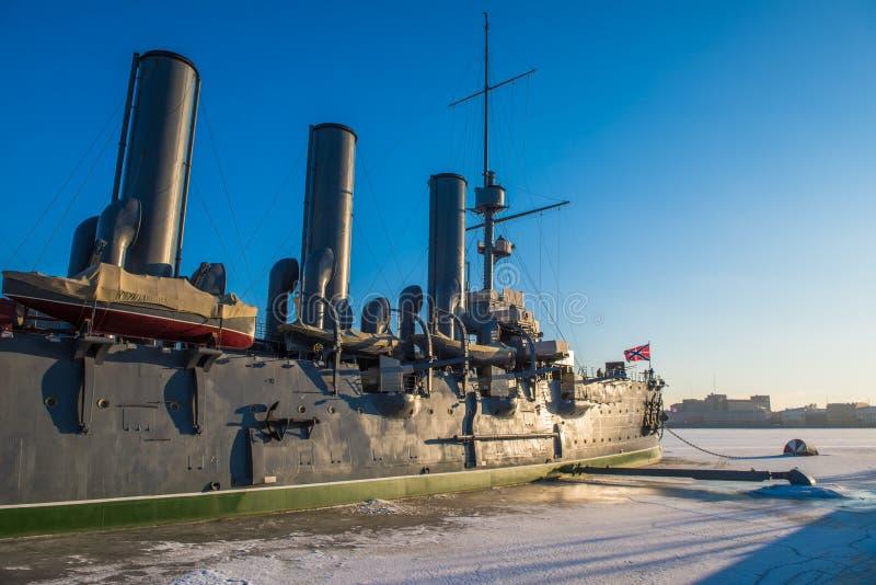 Aurora linear del crucero, el símbolo de la revolución de octubre fotos de archivo libres de regalías