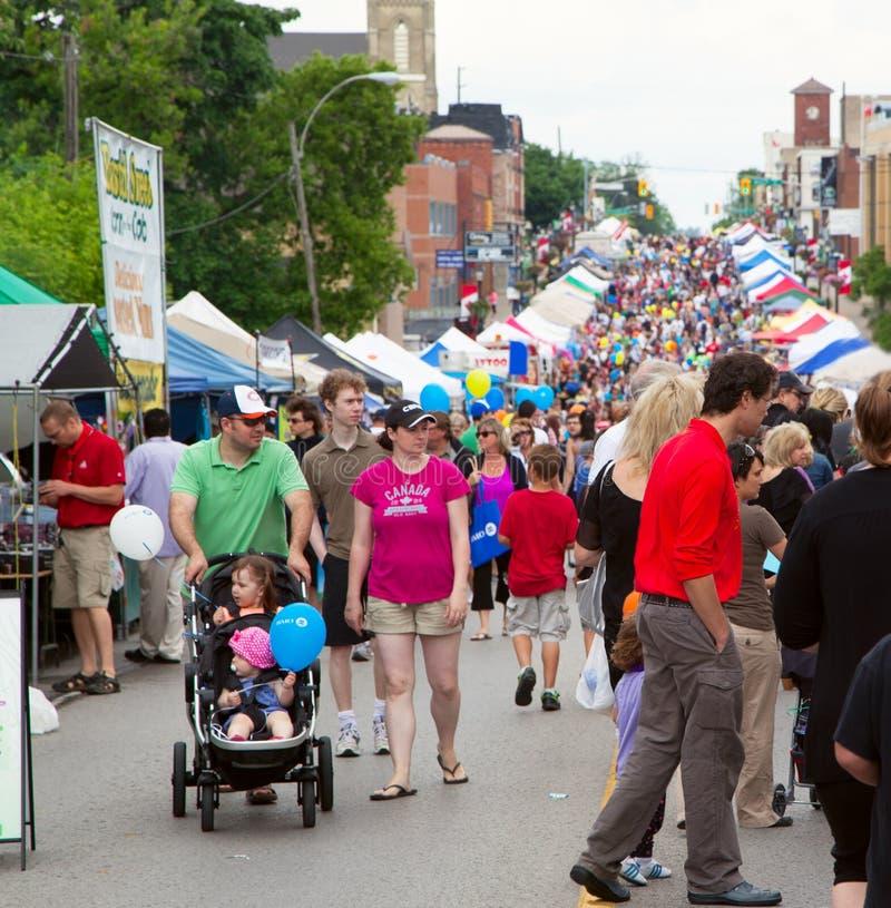 AURORA, ONTARIO, CANADÁ - 2 DE JUNIO DE 2013: Festival de la calle fotos de archivo libres de regalías