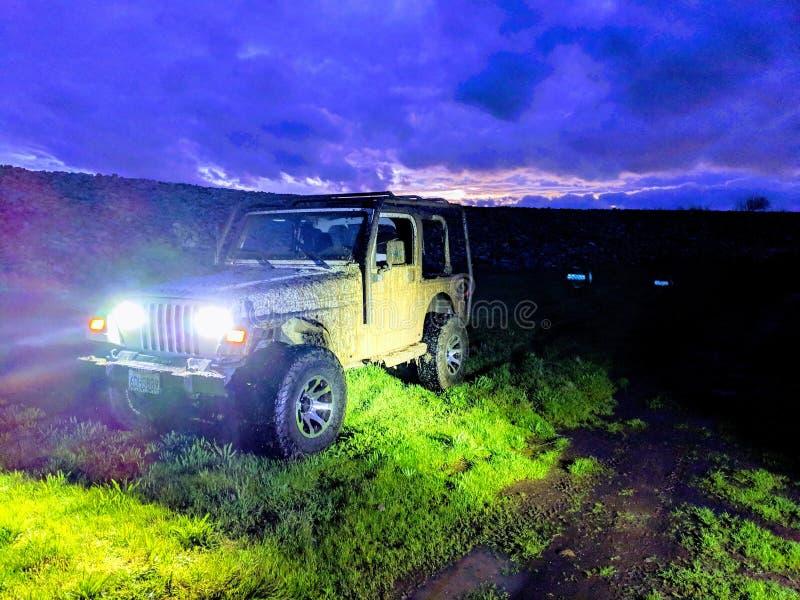 Aus--roading Jeep stockfoto