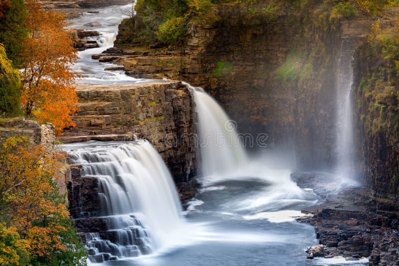 Ausable-Abgrund-Wasserfall stockfotos
