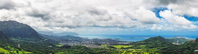 Ausblick-Ansichtpanorama Nuuanu Pali auf Oahu-Insel, Hawaii lizenzfreie stockfotografie