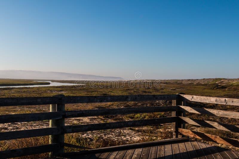 Ausblick-Punkt-Ansicht am Morgen bei Tijuana River Estuarine stockbilder