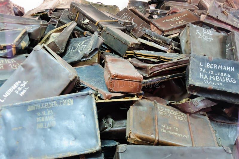 Auschwitz I - Birkenau-koffers stock foto