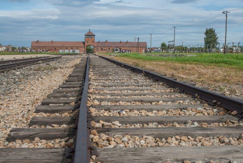 Auschwitz - línea ferroviaria de Birkenau imagen de archivo libre de regalías