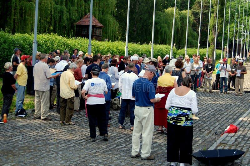 Auschwitz, Polen: De HerdenkingsDienst van Kaddish stock fotografie