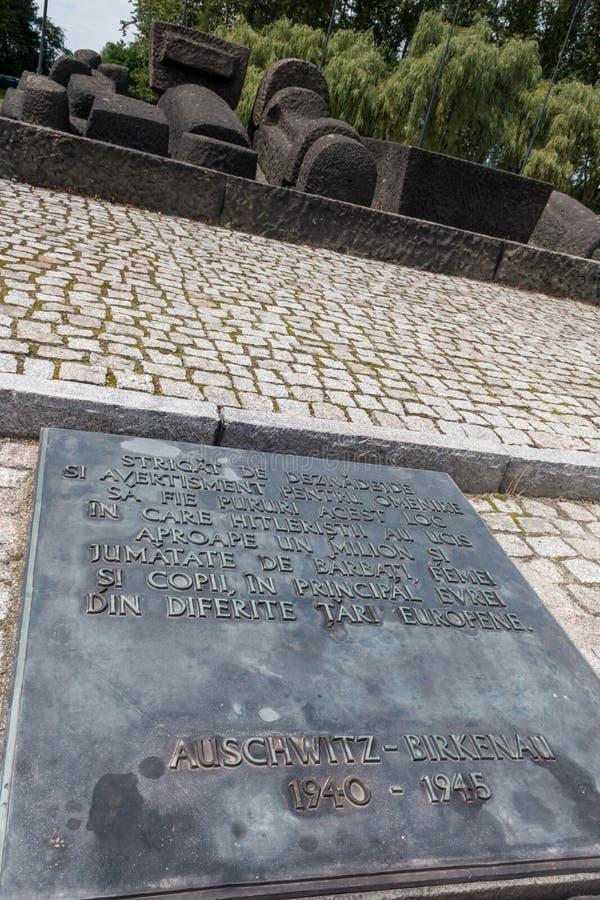 AUSCHWITZ POLSKA, LIPIEC, - 2017 Auschwitz Birkenau koncentracyjnego obozu Rumuński zabytek zdjęcie stock