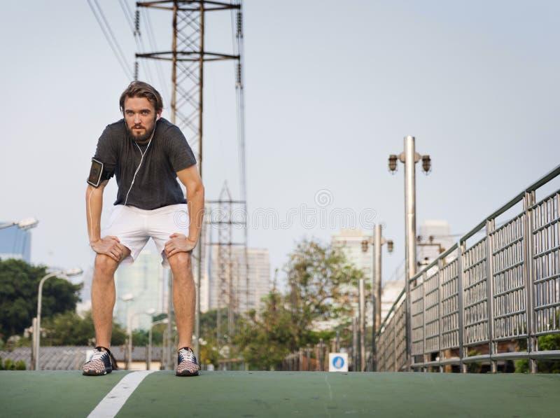Ausdehnen des athletischen Sports, der gesundes Konzept entwurmt stockbilder