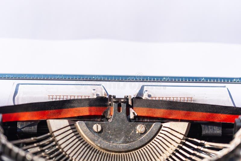 Ausführliche Schüsse einer alten Schreibmaschine stockfotos