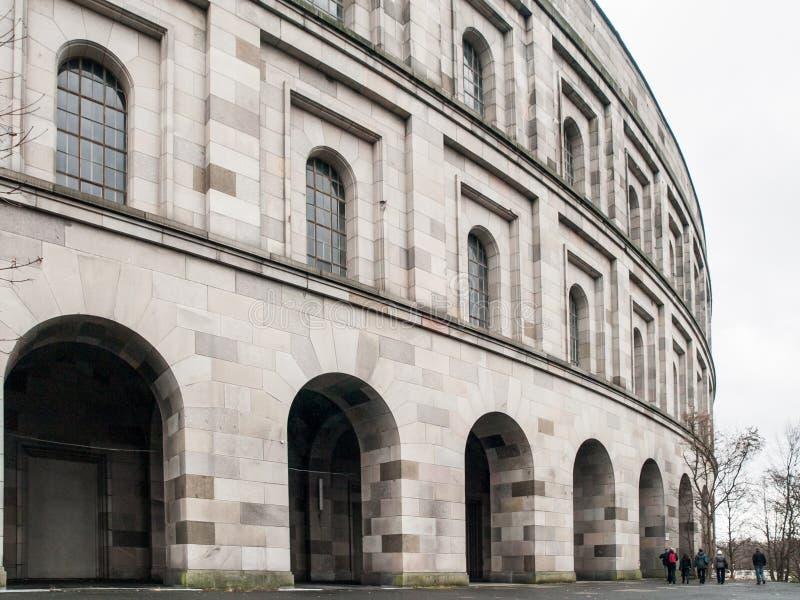 Ausf?hrliche Ansicht von Nazi Congres Hall spornte durch Colosseum, N?rnberg, Deutschland an stockfoto