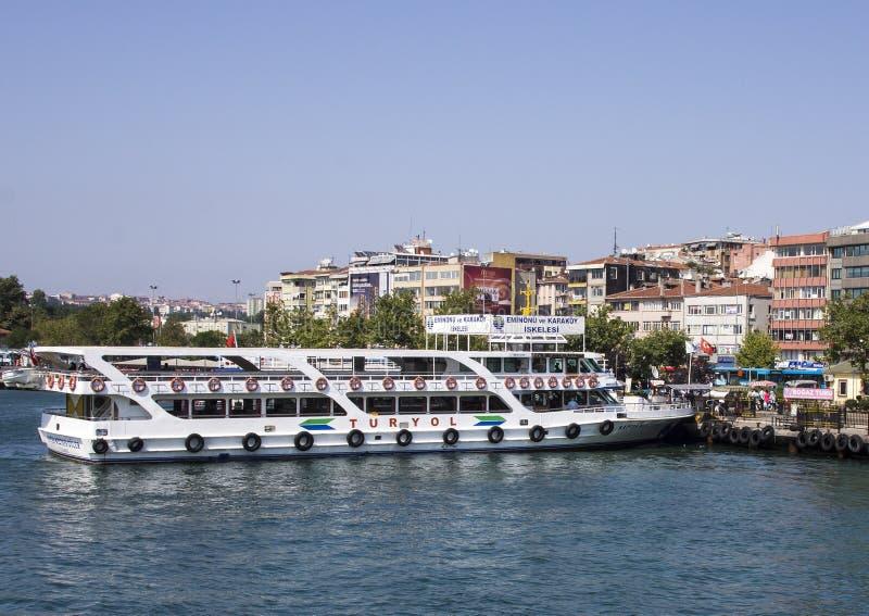 Ausflug-Boot asiatisches Seiten-Istanbul lizenzfreie stockbilder