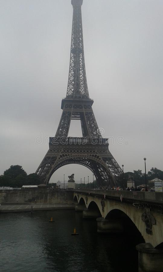 Ausflug Eiffel und Kassie in Paris stockfotos