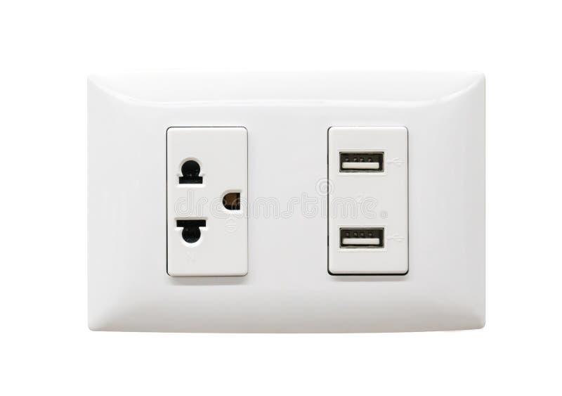 Ausgang weißer elektrischer Stecker und USB-Wand lizenzfreie stockfotografie