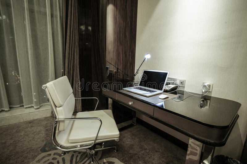 Ausgangs- u. Hotelschlafzimmerinnenraum lizenzfreie stockbilder