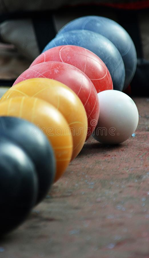 Ausgerichtete Bunco-Bälle und bereiten vor, um zu spielen lizenzfreie stockfotos