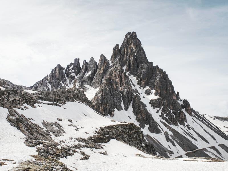 Ausgezeichnete Ansicht von Terrasse zu Symbol von Dolomiten - Tre Cime lizenzfreie stockbilder