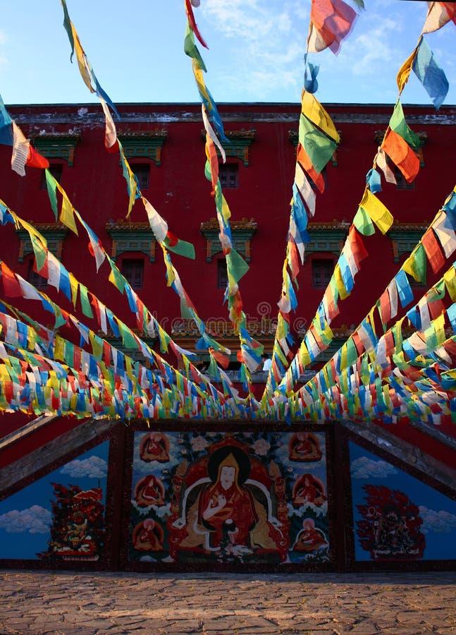 Ausläufer und buddhistische Wandbilder stockbild