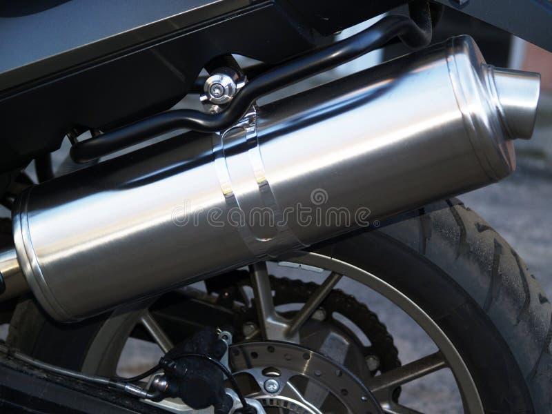 Auspuffrohr als Teil des Laufens des Motorrads stockfotografie