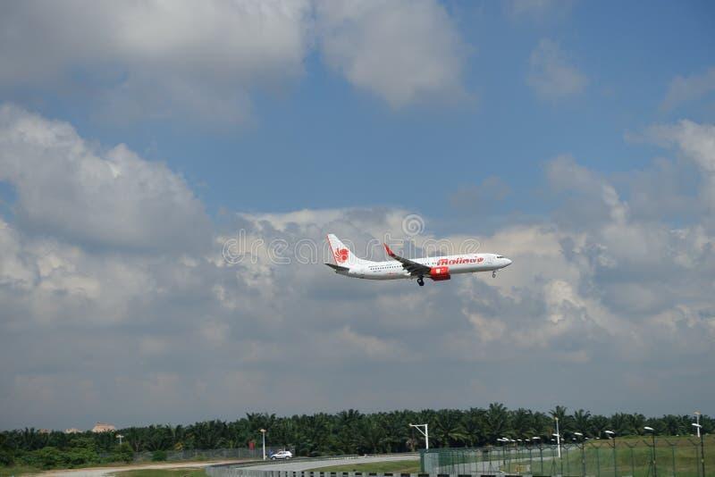 Ausrichtung Malindo-Luft-B737 9M-LNP (Flugzeug) lizenzfreie stockfotos
