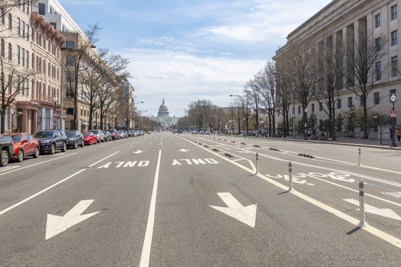 Aussicht auf das Capitol Building von der Pennsylvania Avenue, Washington DC, District of Columbia, Vereinigte Staaten von Amerik stockfotos