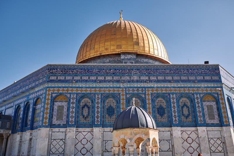 Aussicht auf die Kuppel von Felsen und Kuppel der Kette auf dem Tempelberg in Jerusalem lizenzfreie stockfotos
