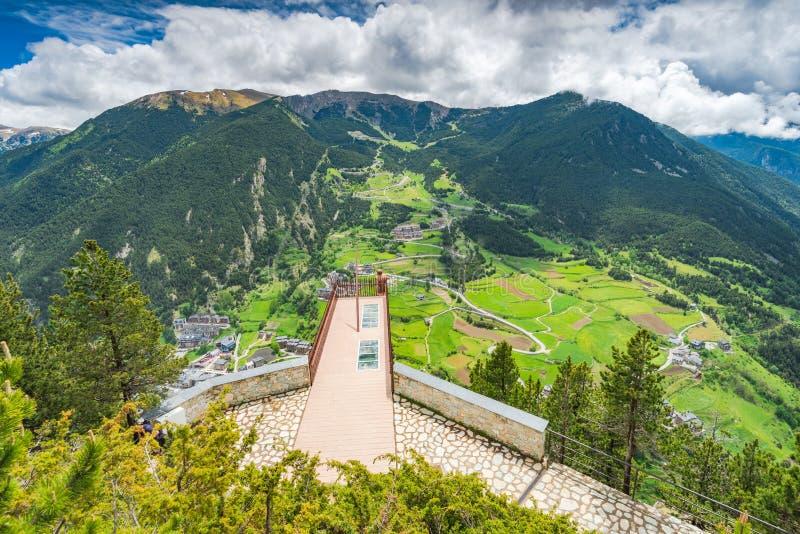 Aussichtsplattform in Andorra - Roc Del Quer stockbilder