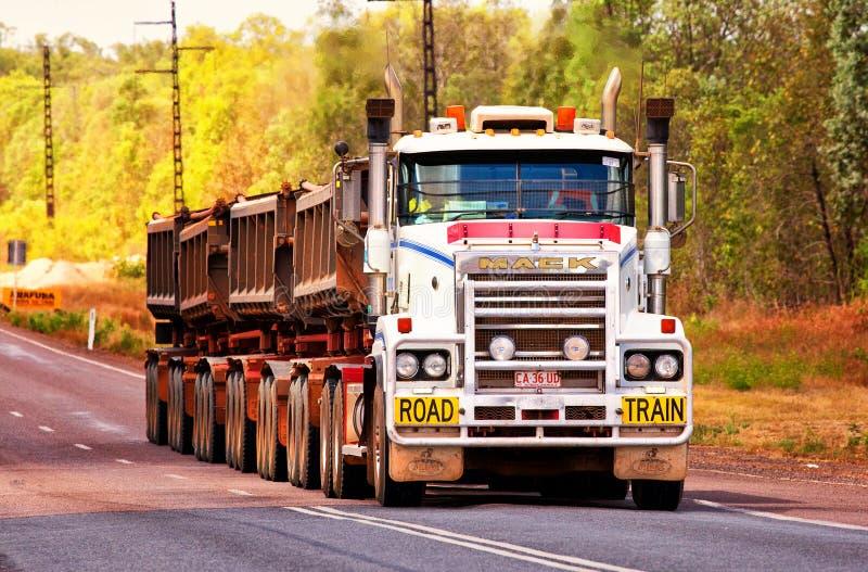 Aussie Outback-Fernlastfahrer stockbild