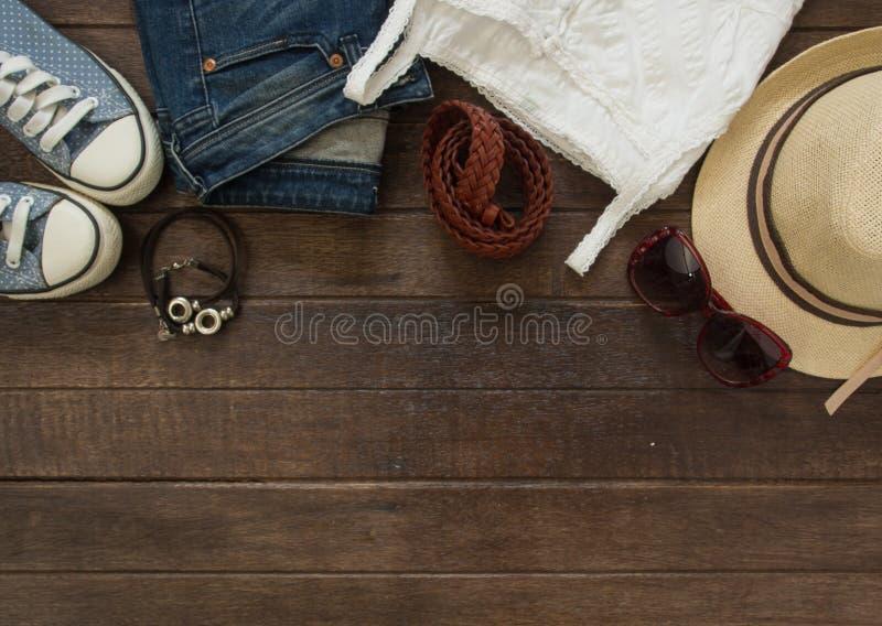 Ausstattung der zufälligen Frau lizenzfreie stockfotos
