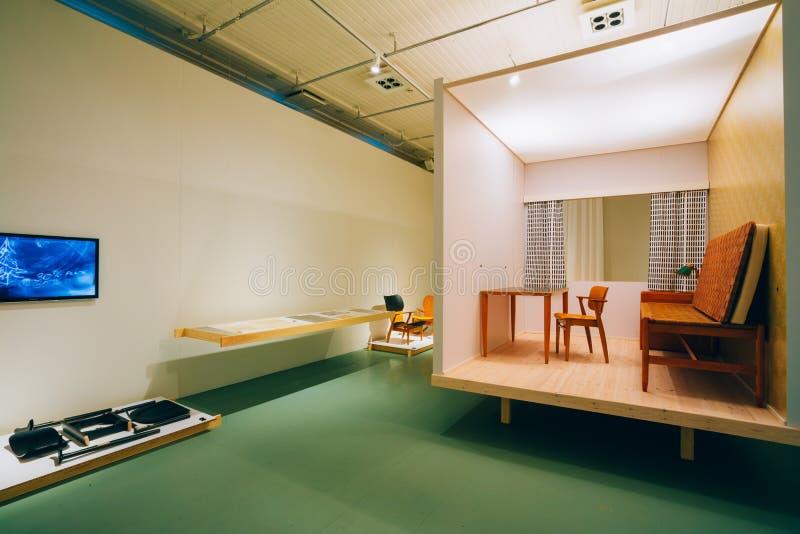 Ausstellung am finnischen Design-Museum (Designmuseo) in Helsink stockfoto