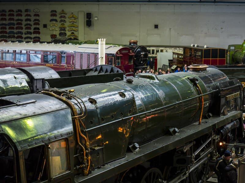 Ausstellungen im nationalen Bahnmuseum in York, Yorkshire England lizenzfreie stockfotografie