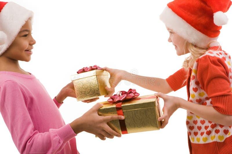 Austausch der Geschenke lizenzfreies stockbild