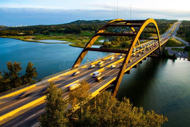 Austin för solnedgång för PennyBacker bro perfekt horisont arkivfoto