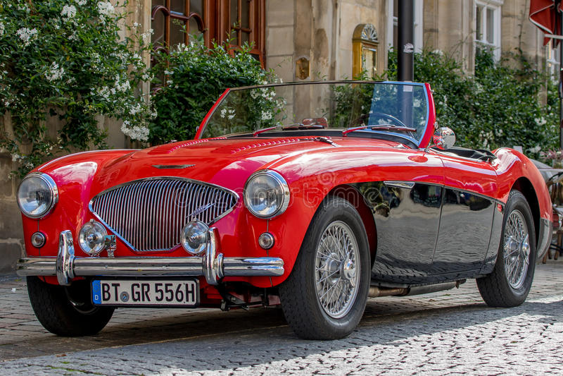 Austin Healey - klassisk sportig cabriolet av 60-tal royaltyfri bild
