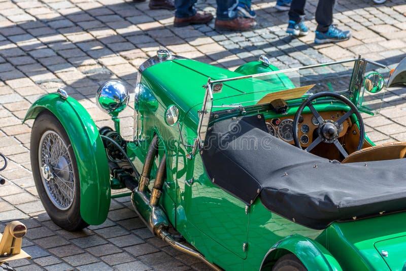 Austin Martin MK II - klassisk sportig cabriolet av 30-tal fotografering för bildbyråer