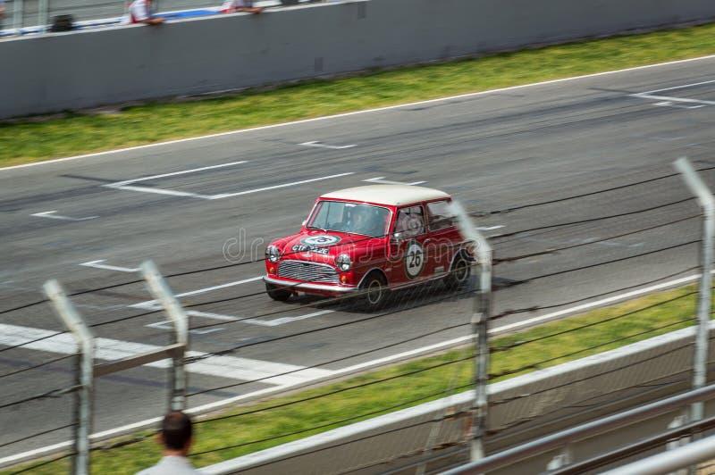Austin Mini Cooper S i str?mkretsen de Barcelona, Catalonia, Spanien royaltyfri bild