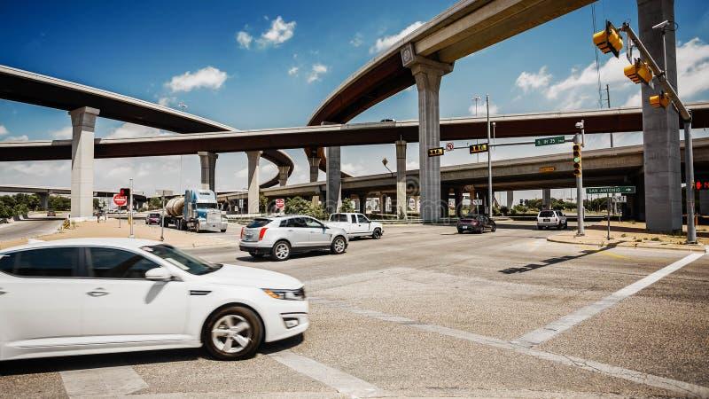 Austin, Texas City Traffic och motorväg royaltyfria foton